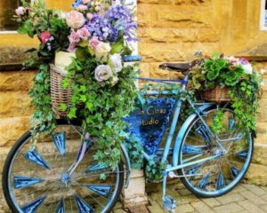 A used bicycle can be your DIY crafts