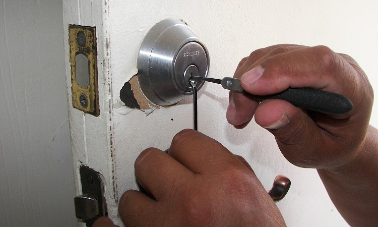 services the locksmiths offer in denver