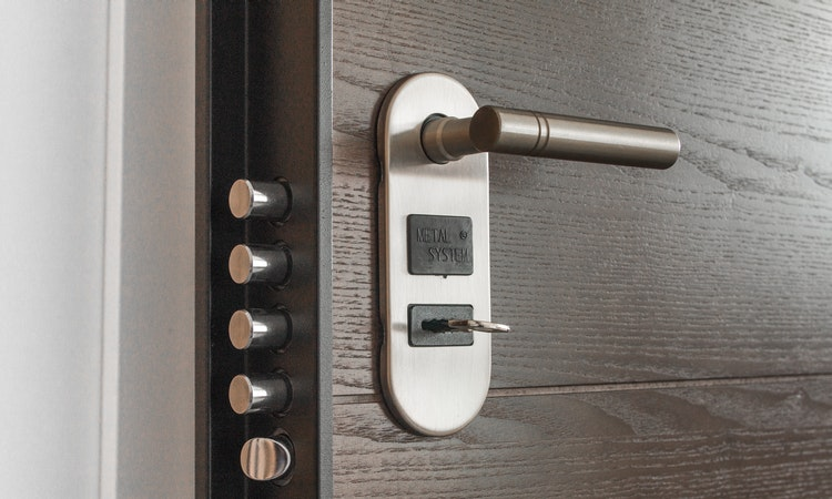 how to fix common door lock problems