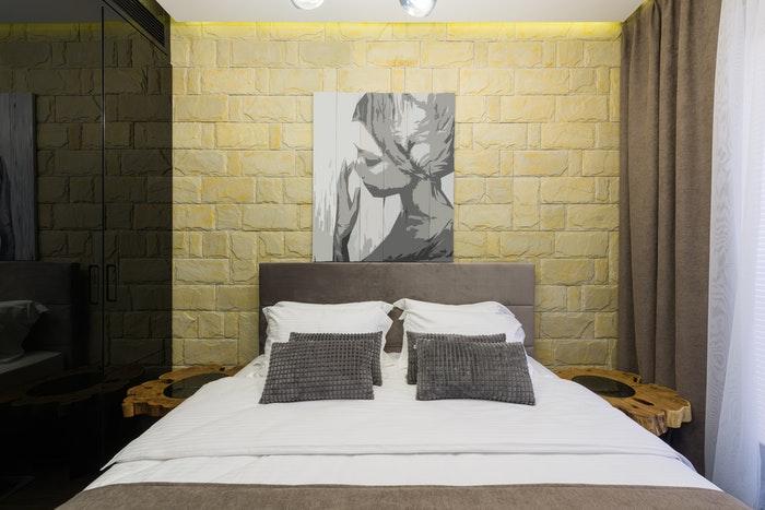 art paintings in bedroom