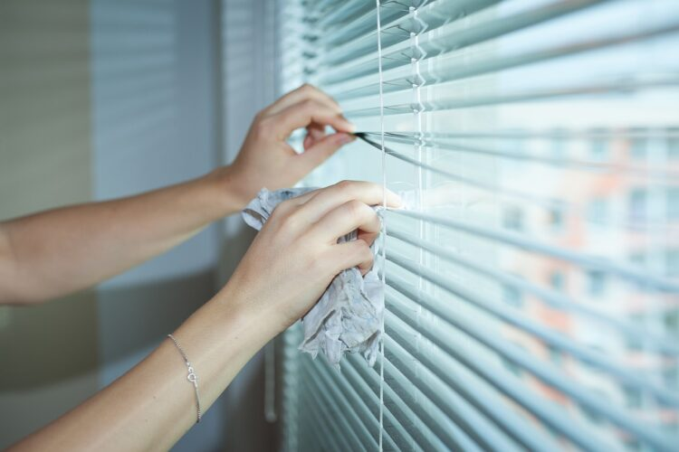 how do you clean blinds at home